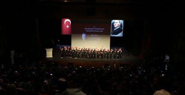 Atatürk, Küçükçekmece'de saygı ve hasretle anıldı