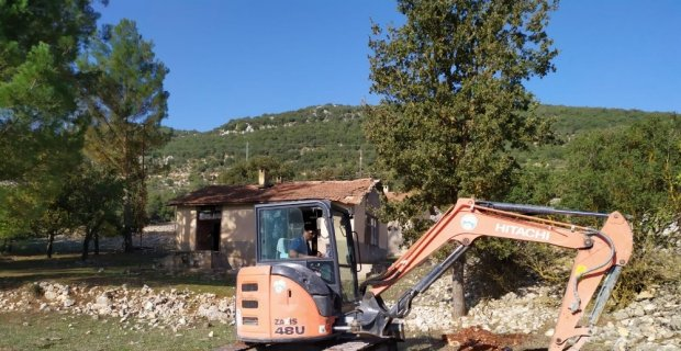 Kaş Belediyesinden ağaç dikimine destek