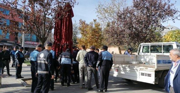 Kocaeli'de zabıta ve vatandaşlar arasında arbede yaşandı