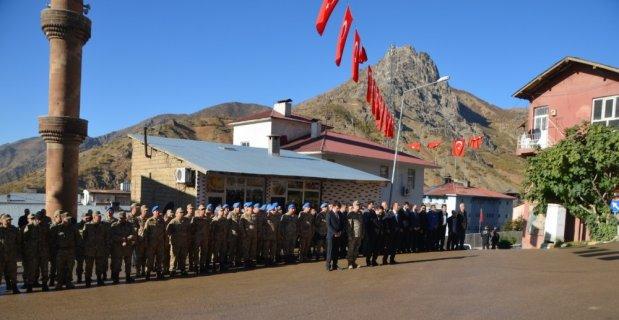 Şemdinli'de Atatürk'ü anma töreni