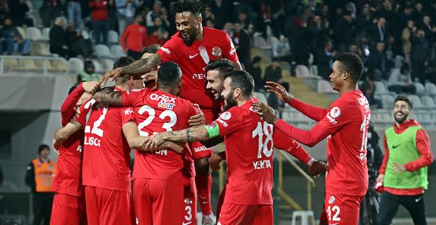 Antalyaspor avantaj sağladı