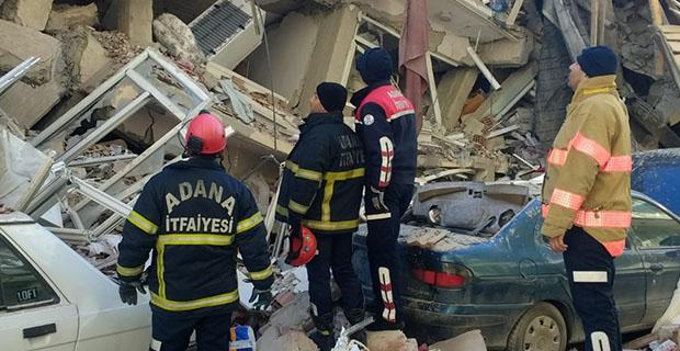 Büyükşehir'in uzman ekipleri Elazığ'da