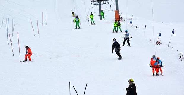 Kar kalınlığı 1,5 metreyi aştı