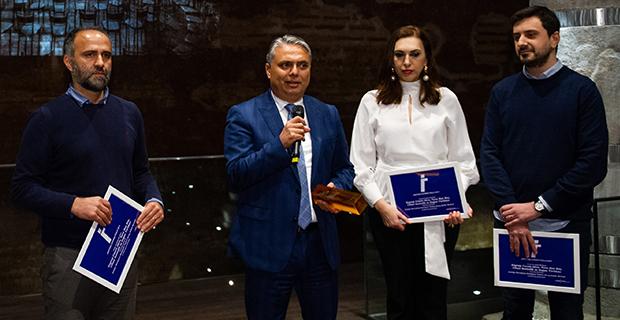 Ödül, Başkan Uysal'ın