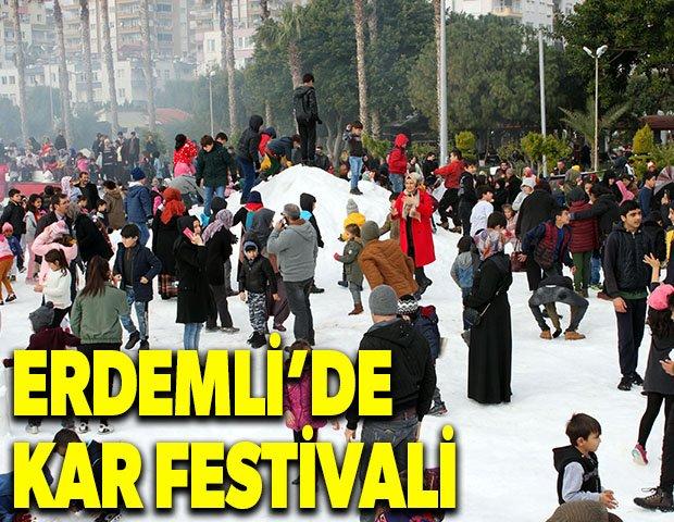 Erdemli'de kar festivali