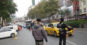 Beyoğlu'nda motosikletin çarptığı yaşlı adam yaralandı