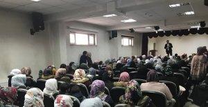Çaldıran'da '25 Kasım Kadına Yönelik Şiddetle Mücadele Günü' semineri