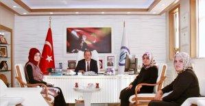 Diyanet Vakfı Kız Öğrenci Yurtları yöneticilerinden Rektör Coşkun'a ziyaret
