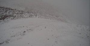 Ege'nin kış turizm noktası 'Denizli Kayak Merkezi' ilk kar yağışını aldı