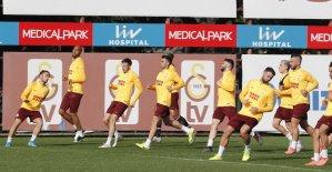 Galatasaray'da Lemina takımla çalıştı
