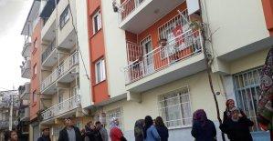İzmir'de korkunç cinayet: Eşini baltayla öldürdü
