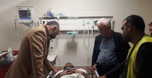 İzmit Belediyesi Kuzey Marmara Otoyolu'nda yaralanan işçileri yalnız bırakmadı