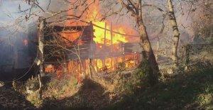 Kastamonu'da ahşap ev yandı