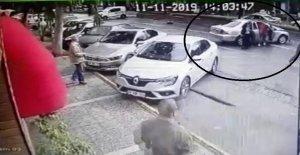 Para çantası yerine malzeme çantasını çaldılar, kazaya karışınca böyle kaçtılar