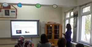 Şaphane'de 'Okul çağı çocuklarında beslenme' konulu eğitim