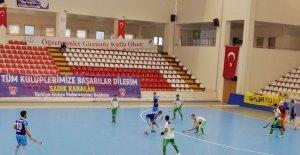 Süper Lig oyuncularından kadına şiddete pankartlı tepki
