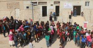 Suriyeli çocuklar için İdlib'e yeni okul