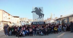Yozgatlı öğrenciler Malazgirt'i ziyaret etti