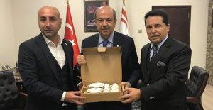 Başbakan Tatar#039;a ziyaret