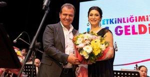 Başkan Seçer, orkestra şefi oldu