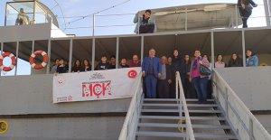 Çocuklar Nusrat Mayın Gemisi'ni gezdi