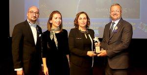 Kadın sanayiciye hizmet ödülü