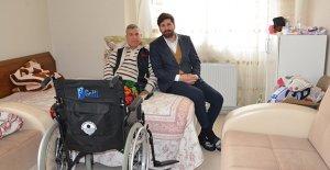 Büyükşehir'den tekerlekli sandalye