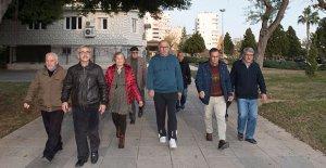 Emekliler, sağlık için yürüyor