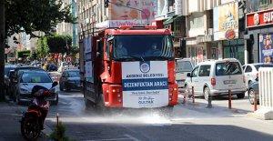 Sokaklarda dezenfekte çalışmaları